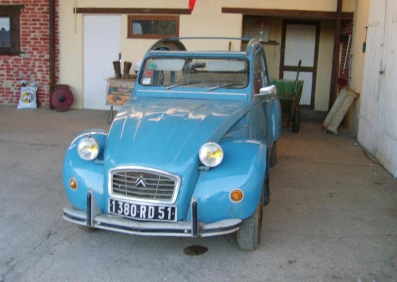 citroen 2cv bleu lagune
