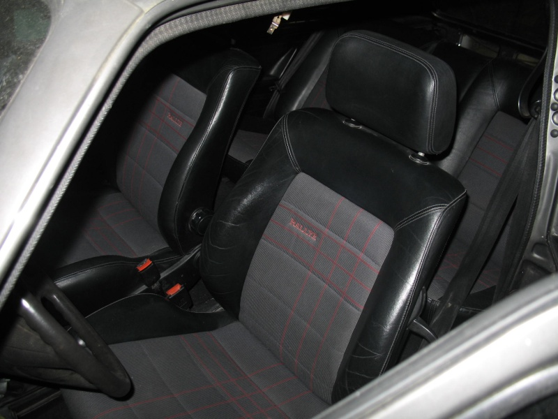 Golf i gti plus page 1 for Interieur golf 2