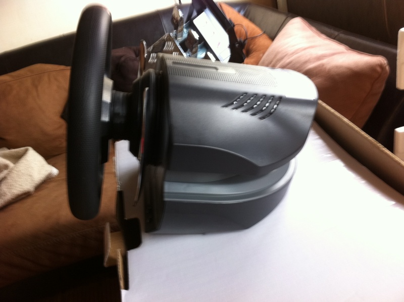 volant thrustmaster t500 rs forum gran turismo 5 gt5. Black Bedroom Furniture Sets. Home Design Ideas