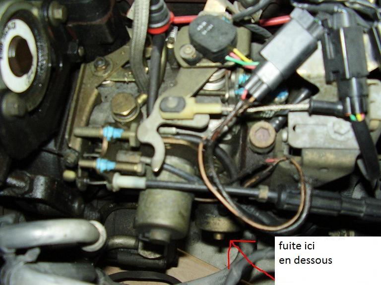 ford escort 1 8 td 90ch an 1997 fuite gazoil pompe injection r solu. Black Bedroom Furniture Sets. Home Design Ideas